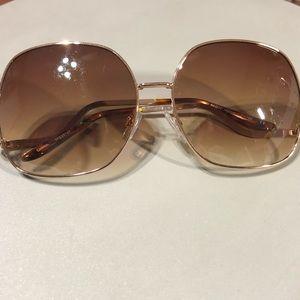 Oversized Gold frames with Ombré lenses